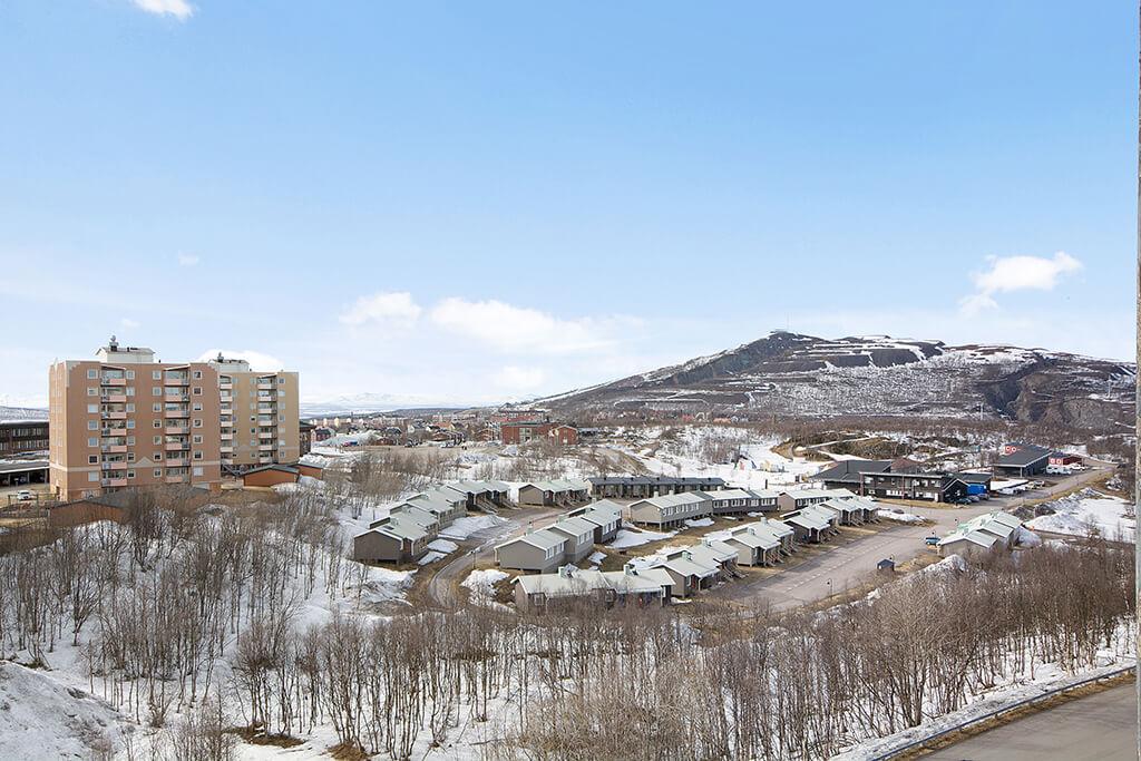 Kiruna på vintern och ett berg